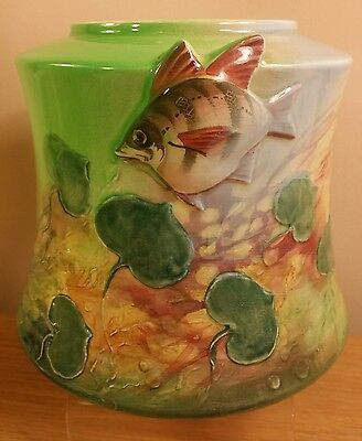 "Rare Royal Doulton ""Old Wife in Australia"" Fish series ware vase"