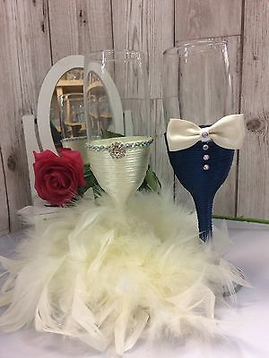 Mr & Mrs glasses, BRIDE and GROOM Champagne Flutes Wedding Glasses Wedding gift