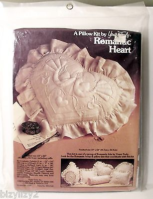 1983 Yours Truly ROMANTIC HEART Quilted PILLOW KIT 18X22 inch Doves & Heart NIP