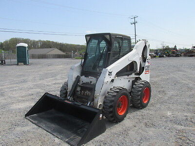 2008 Bobcat S300 Skid Steer Loader w/ Cab!