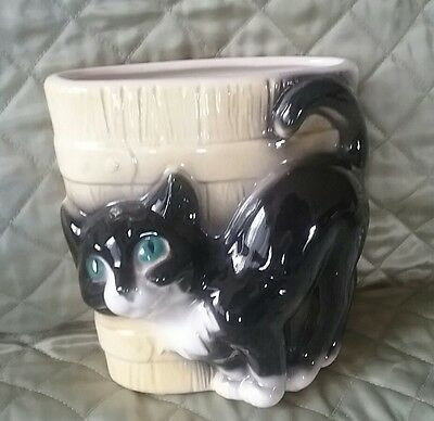 Vintage Black & White CAT & Wooden Bucket Art Pottery Planter