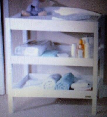 East Coast Clara Dresser / Changing Unit With Towel Rail, White