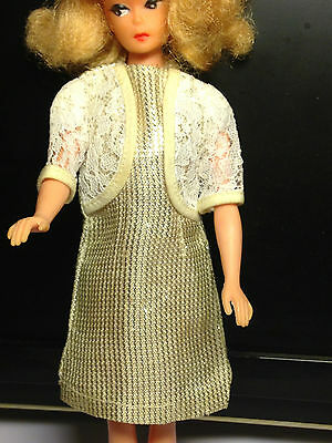 BARBIE PETRA * VINTAGE-OUTFIT 1967 * #14 London, silber