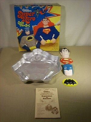 VINTAGE 1977 BATMAN AND SUPERMAN DC SUPER HERO CAKE PAN SET WILTON Complete