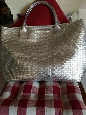 """Ladies Silver Clinique Purse """" New Never Used!"""