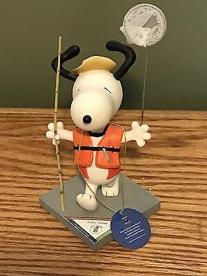 """SNOOPY PEANUTS ON PARADE #8425 WESTLAND GIFTWARE """"Fishing Snoopy"""""""