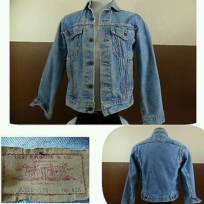 VTG LEVIS Trucker JEAN JACKET Med Blue Denim 70506-0214 made in USA Red tab 40R