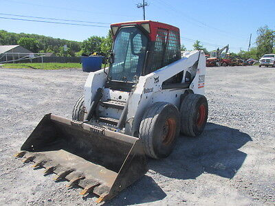 2005 Bobcat S220 Skid Steer Loader w/ Cab!