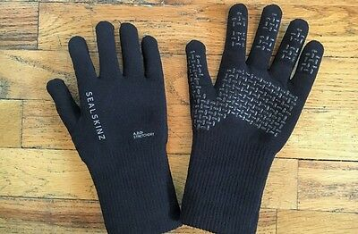 SealSkinz Close Fitting Ultra Grip Waterproof Gloves (Black- XL Only)