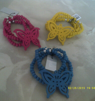 bracelets wooden one size stretch in 3 rows with butterfly on in 3 colours