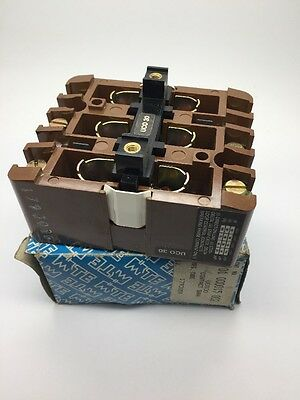 New MTE UCO 30 Contact Bank Block 01 000015 002 for use with MTE UCO Contactor