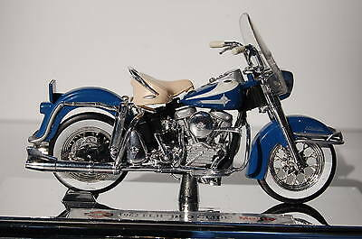 HARLEY DAVIDSON  FLH DUO-GLIDE 1962 1/18th  MAISTO  MODEL  MOTORCYCLE