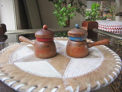 "Vintage Australian Salt & Pepper Shakers ""coolangatta And Kirra"" - Souvenir"