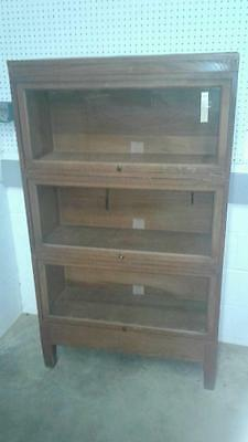 GLOBE WERNICKE 3 STACK LAWYERS BOOKCASE W/ BASE Lot 153