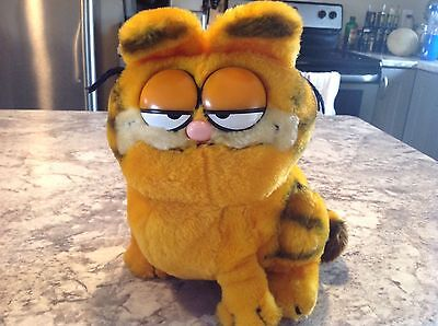 Vintage 1981 Garfield Plush Stuffed Animal Cat United Features Syndicate Dankin