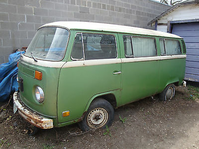 Volkswagen: Bus/Vanagon EARLY 1970'S VW BUS VANAGON FOR PARTS NO ENGINE OR TRANSAXLE