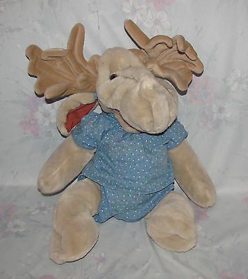 """1982 Wrinkles Moogy Plush Light Brown Moose Puppet - 18"""" - Large, Blue Outfit"""