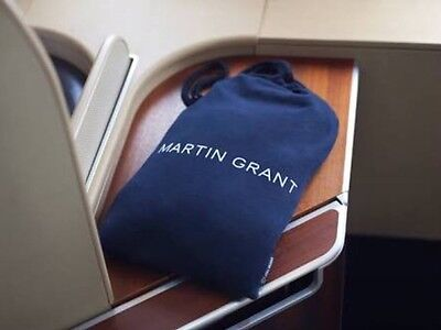 QANTAS Airways First Class MARTIN GRANT Airline Pyjamas M/L + Female Amenity Kit