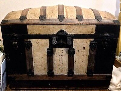 Vtg Large Antique Dome Top Chest~Steamer Trunk  • Original Finish & Hardware •