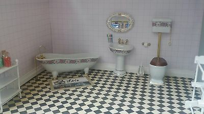 Dolls House 1:12 Scale 4 Piece Ceramic Deluxe Pink High Level Bathroom DF1431 *