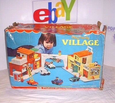 Vintage Fisher Price Play Family Village W/ Accessories 1973 - Amazing Condition