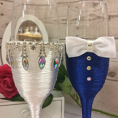 Mr & Mrs glasses BRIDE and GROOM  Wedding Glasses Champagne Flutes  white blue