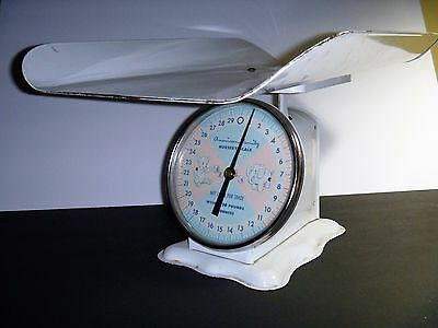 Vintage American Family Nursery Scale 30 Lb.