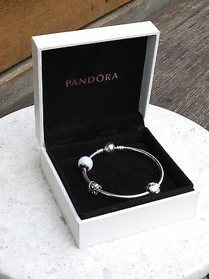 Pandora Bangle with 3x Charms - opalescent faceted, 18, mother of pearl heart