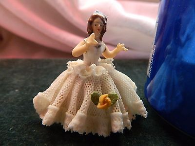 """VINTAGE DRESDEN PORCELAIN LACE MINIATURE LACE FIGURINE Made in Germany 2"""""""