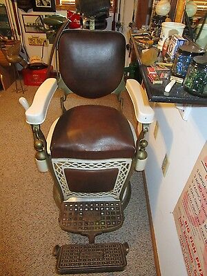 Barber Chair  (Vintage)  Emil J Paidor  Nice Condition