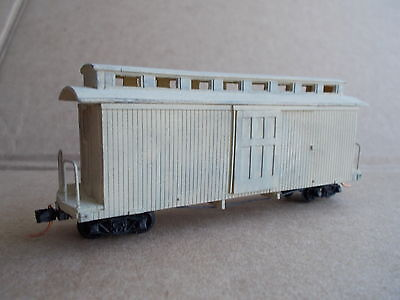HOn30 Boxcar A with Clearstory Roof Kit by Railway Recollections
