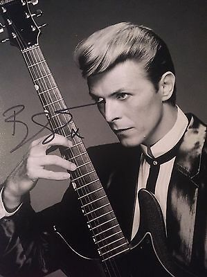 Authentic David Bowie Hand signed photo 8x10 W/COA