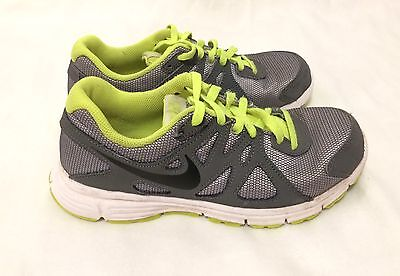 Boys' Youth Nike Revolution 2 Running Shoes SZ 4Y Youth 4 555082-011 Gray/Green