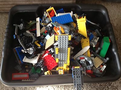 Lot2 5KG Lego Including Figures And Plates.