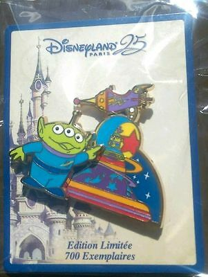 Pins Disney EL Parade Alien 25 ans