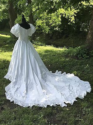 "Vtg Princess White Wedding Dress Costume Train 34"" Bust 26"" Waist"