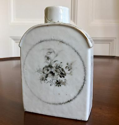 Chinese Export Porcelain Tea Caddy, c.1770. 12cm High.