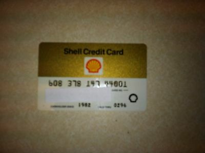 Vintage 1982 Shell Oil Company Collectible Expired Credit Card