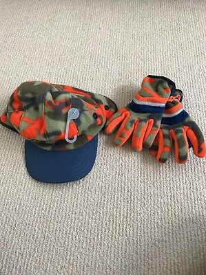 GAP NWT 6-7 Winter Hat & Glove Set