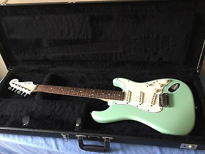 FENDER JEFF BECK STRATOCASTER Electric Guitar With Case