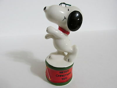 Snoopy Peanuts Charlie Brown Determined Ceramic Christmas Ornament Figure 1978