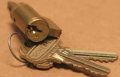 Schlage Everest C123 cylinder with 2 keys with gold faced trim
