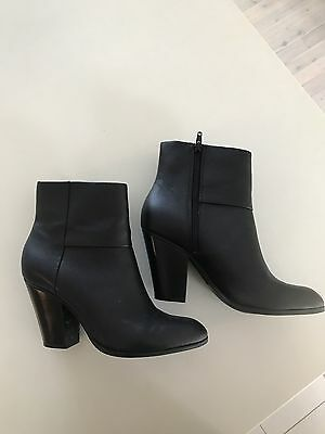 Nine West Ladies Black Leather Ankle Boots,size 39