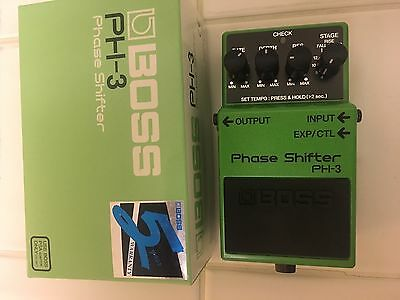 Boss PH3 Phase Shifter Guitar Effect Pedal with box