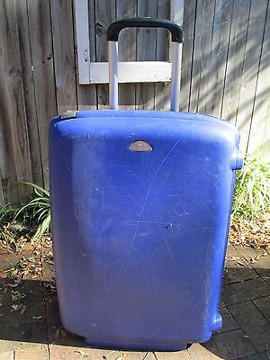 Samsonite large blue hard suitcase
