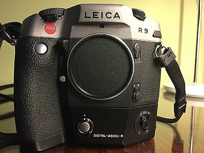 Leica DMR (Digital Modul R) + R9 camera body + Vario Elmar R 28-70mm + photo bag