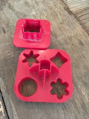 Vintage tupperware cookie canape cutter two sided red for Mini canape cutters
