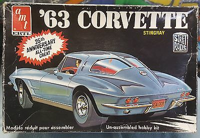 AMT 1963 Chevy Corvette 1/25th scale kit *1 part missing!
