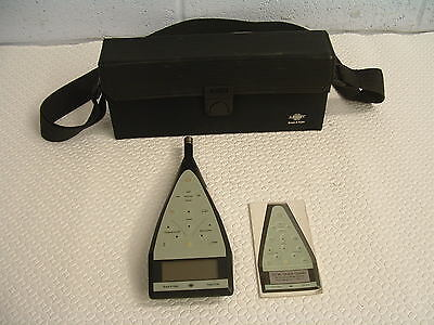 Bruel & Kjaer precision sound level meter 2236 C-008 SW 2.5 with 4188 microphone