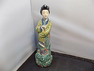 antique CHINESE  PORCELAIN FAMILLE ROSE KWAN YIN FIGURINE